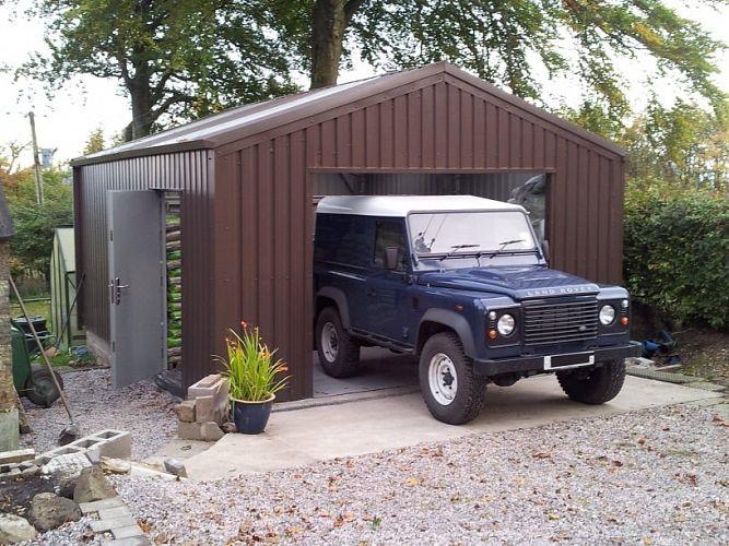 RangeRoverShed 667x500 - Metal vs Wood Garages